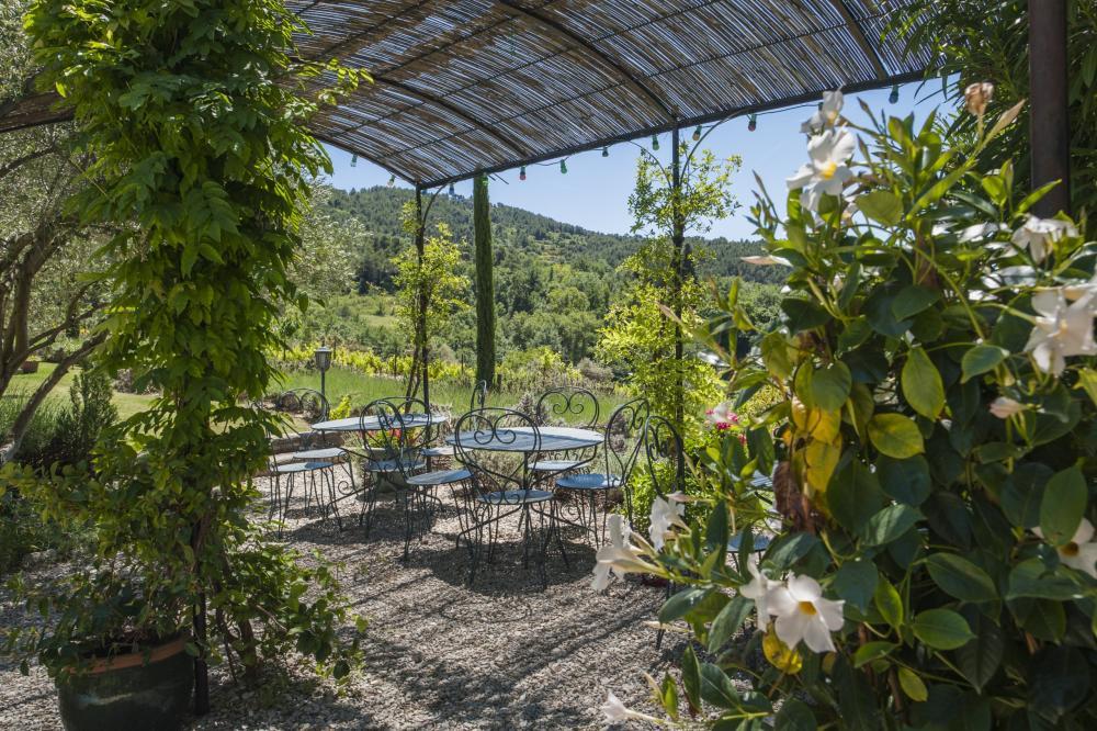 Photos le grand jardin bed breakfast in lafare for Jardin 18 plottier