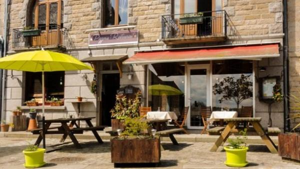 La Grange - Restaurant - Vacances & week-end à Corseul