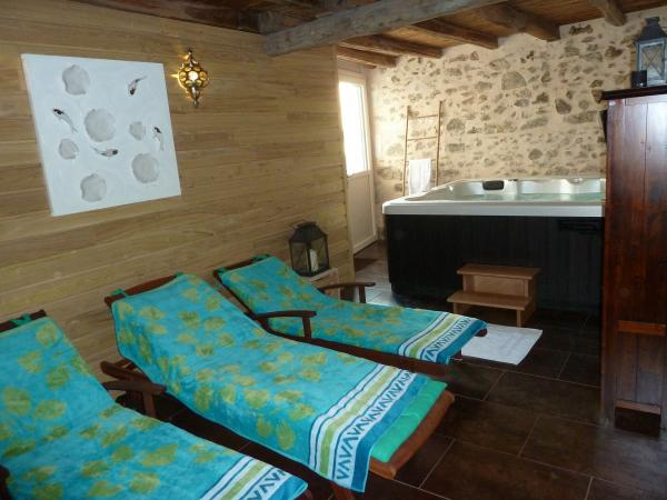 The Little House - Rental - Holidays & weekends in Roussines