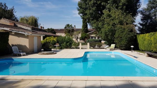 House for rent in the Medoc with pool - Rental - Holidays & weekends in Ordonnac