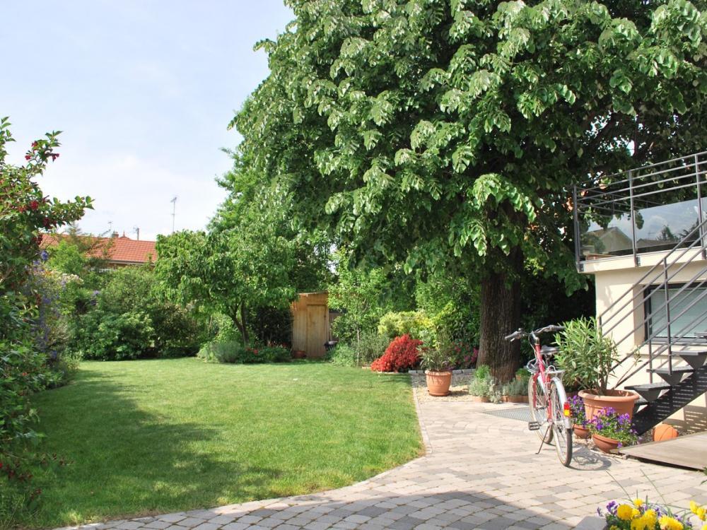 Photos le jardin des etats location de vacances lyon for Le jardin lyon