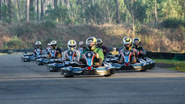 Karting on an outdoor track - Activity - Holidays & weekends in Magescq