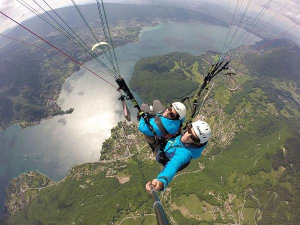 Maiden two-seater paraglider flight over Lake Annecy - Activity - Holidays & weekends in Talloires-Montmin
