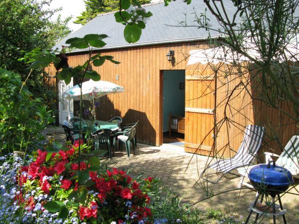 Maison bois spacieuse plein pied vacation rental in - Maison en bois plein pied ...