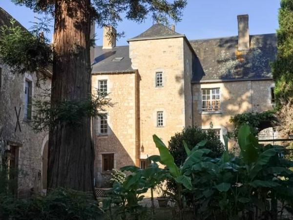 La Maison du Prévôt - Bed & breakfast - Holidays & weekends in Parcé-sur-Sarthe