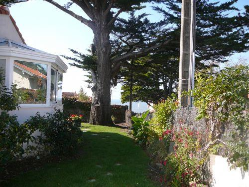 Maisonette on garden 50 m from the ocean - Rental - Holidays & weekends in Pornic