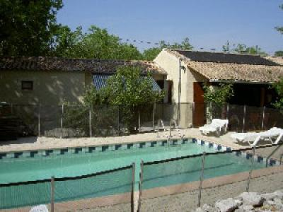 Mas dolder location de vacances saint alban auriolles for Piscine saint alban