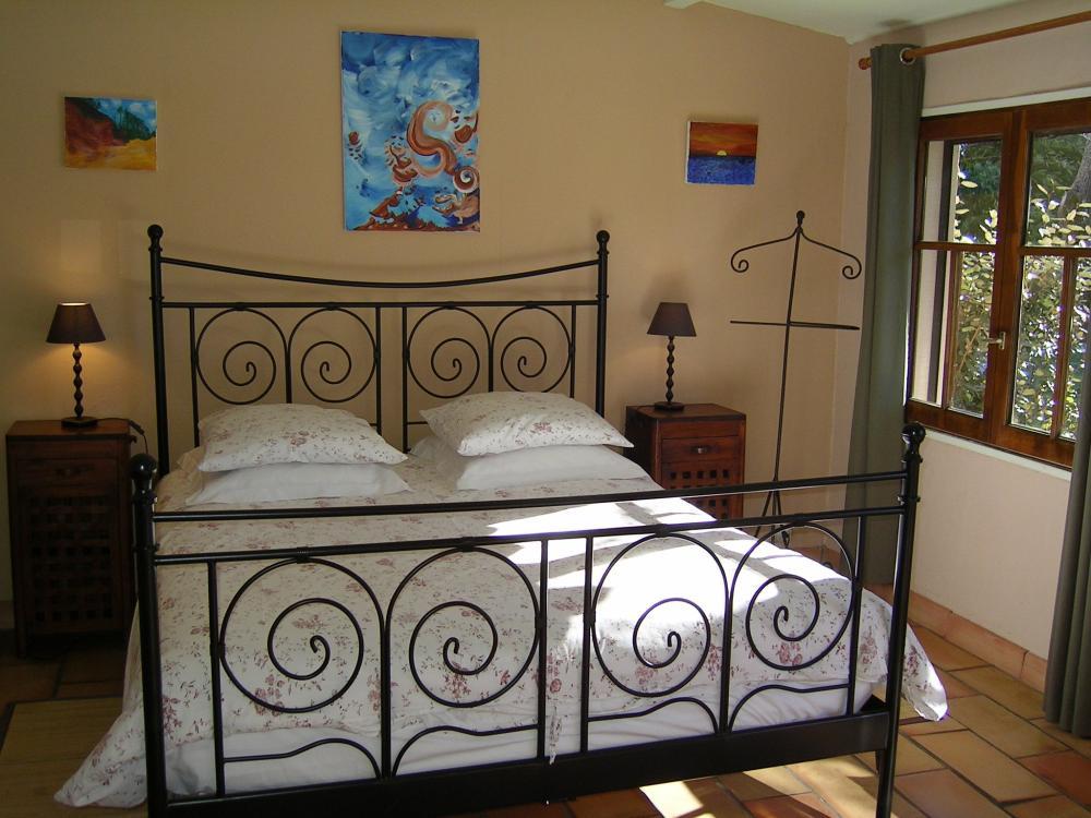 photos mas la provence chambre d 39 h tes l 39 isle sur la sorgue. Black Bedroom Furniture Sets. Home Design Ideas