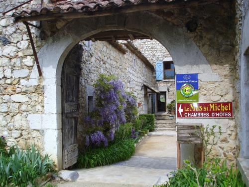 Le mas saint michel - Bed & breakfast - Holidays & weekends in Ruoms