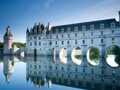 minibus excursion to the azay le rideau chenonceau and. Black Bedroom Furniture Sets. Home Design Ideas