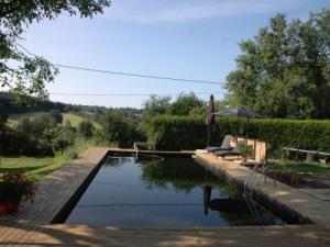 Guide de montlu on tourisme vacances week end for Piscine montlucon