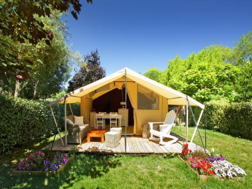 Le moulin de sainte anne camping villegly for Camping carcassonne piscine