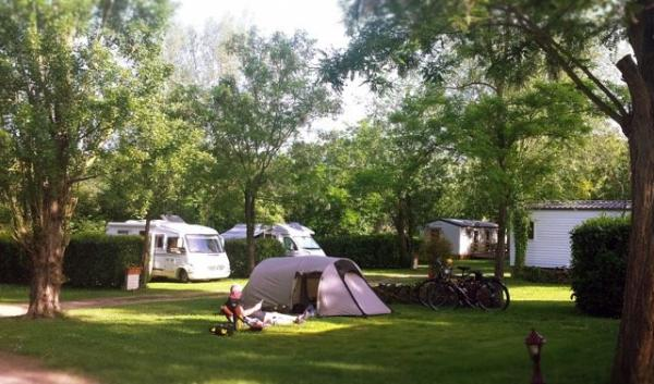 L'orée du lac - Campsite - Holidays & weekends in Villerest