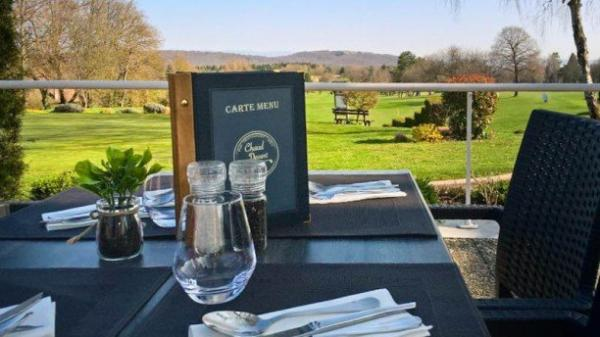 Restaurant du Golf, Chaud Devant - Restaurant - Vacances & week-end à Dampierre-sur-le-Doubs