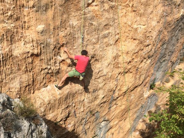 Rock Climbing in the Loup Gorges – Departing from Gourdon (40 mins. From Grasse) - Activity - Holidays & weekends in Gourdon