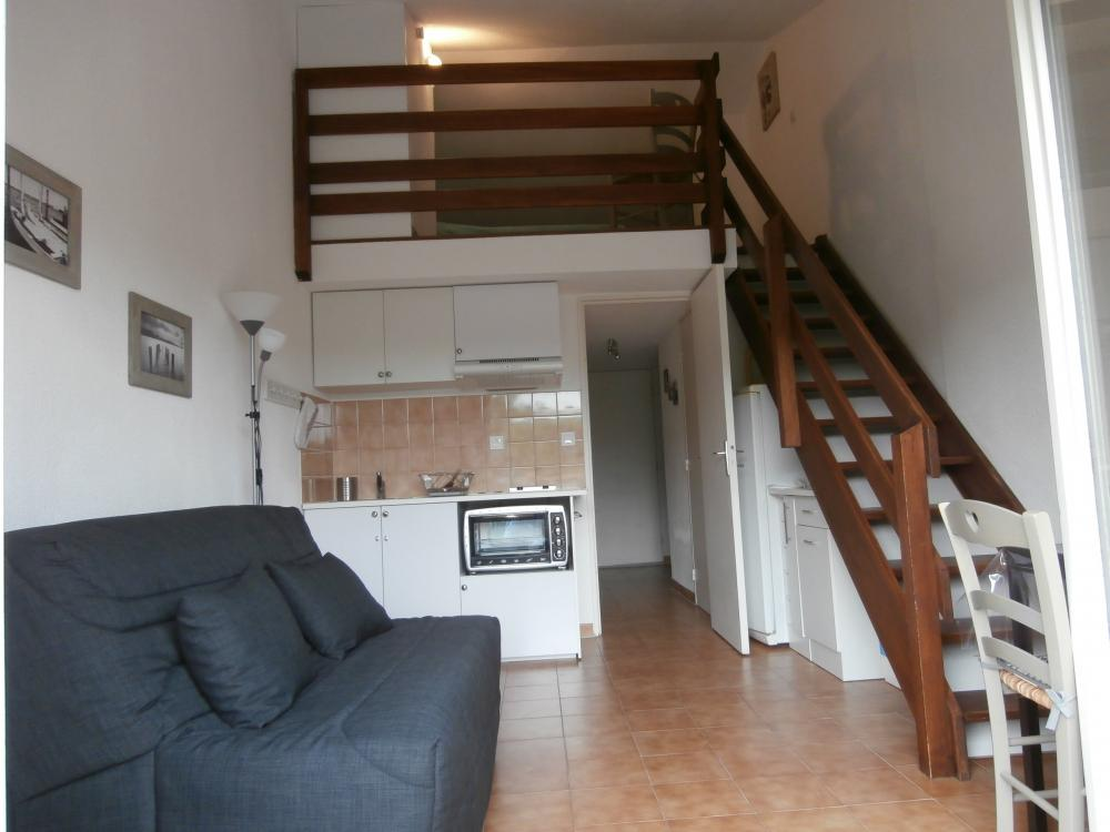 photos studio cabin mezzanine vacation rental in. Black Bedroom Furniture Sets. Home Design Ideas