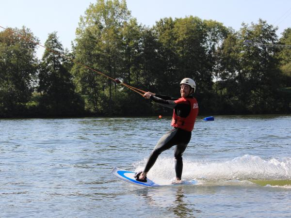 Telemark water skiing at the Fontaine Simon site - Activity - Holidays & weekends in Fontaine-Simon