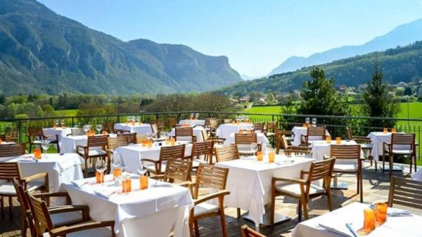La Terrasse du Golf de Giez - Restaurant - Holidays & weekends in Giez