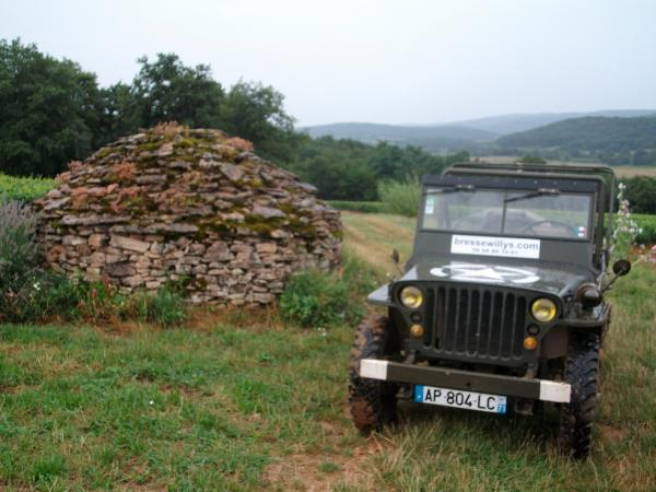 Vintage military vehicle rides in Burgundian Bresse - Activity - Holidays & weekends in Saint-Germain-du-Plain