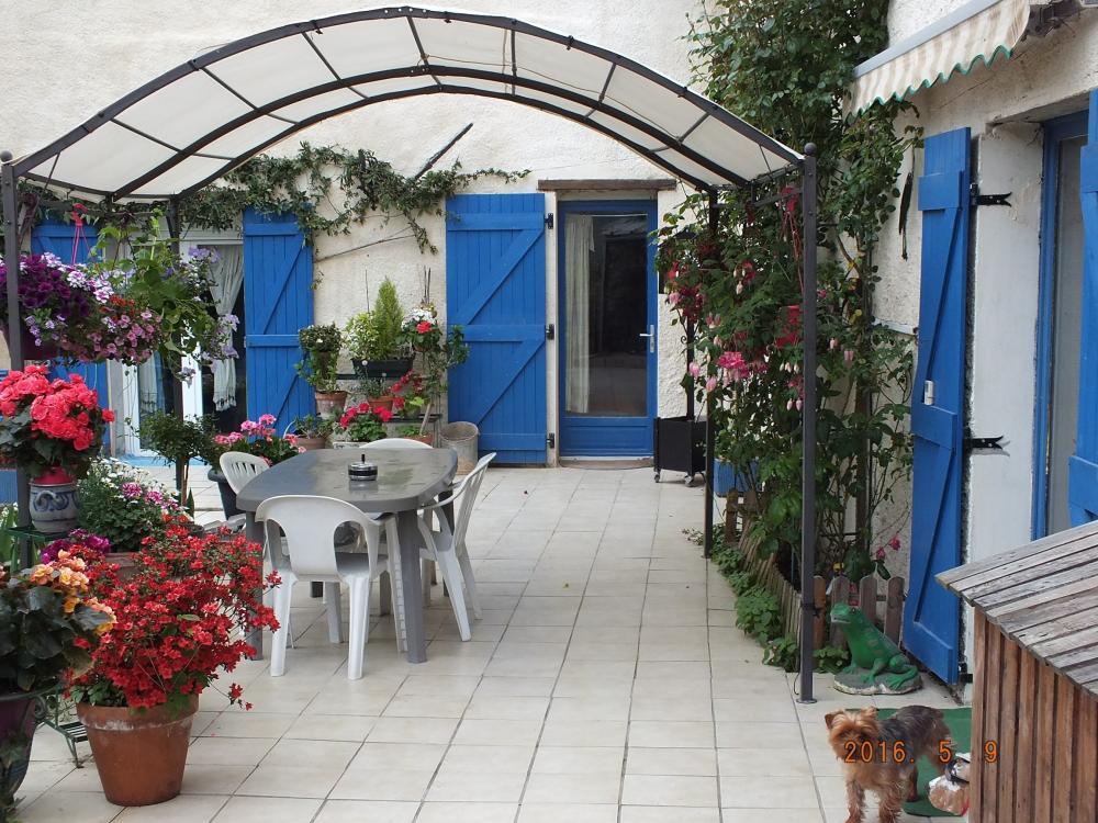 photos les volets bleus chambre d 39 h tes crancey. Black Bedroom Furniture Sets. Home Design Ideas