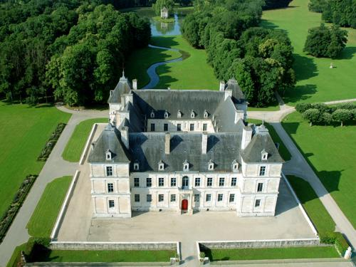 Château d'Ancy-le-Franc seen from the sky