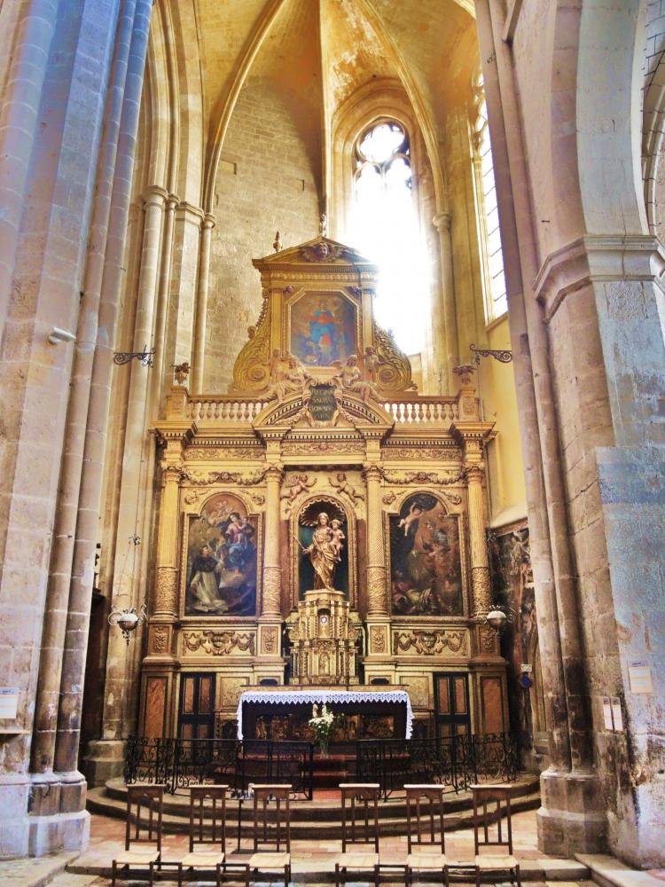 foto la basilica di saint maximin la sainte baume guida turismo e vacanze. Black Bedroom Furniture Sets. Home Design Ideas