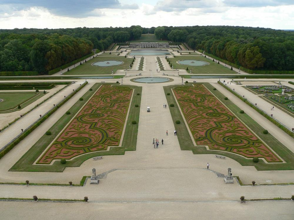how to get to vaux le vicomte