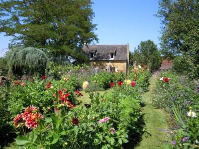 Astounding The Gardens Of The Eyrignac Manor House Tourism Holiday Download Free Architecture Designs Rallybritishbridgeorg