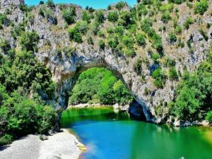 The gorges of the ard che tourism holiday guide for Camping sainte croix du verdon avec piscine