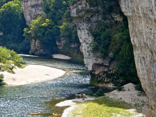Les gorges du tarn guide tourisme vacances for Camping gorges du tarn avec piscine 4 etoiles