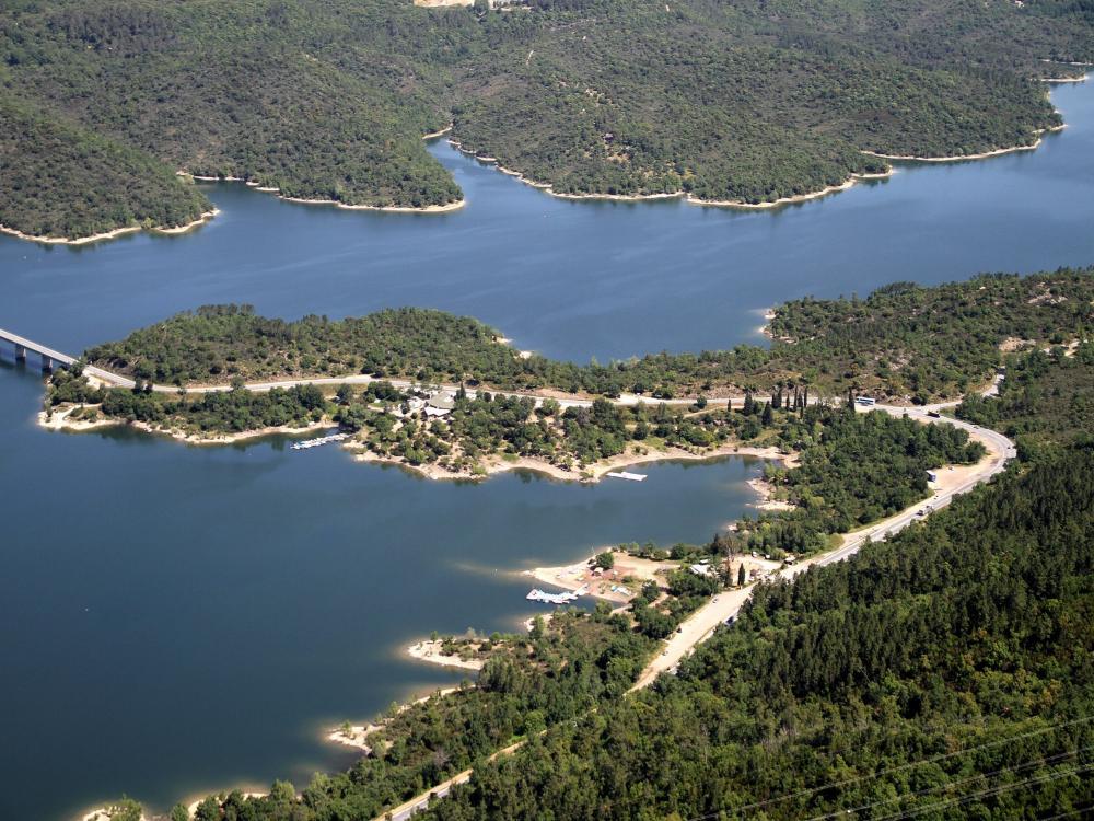 Lac De Saint Cassien Restaurant