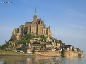 the mont michel bay tourism guide