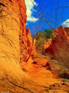 Rustrel - Red Canyon ( © Jean Espirat )