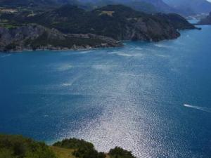 Lac Serre Poncon : Der see serre ponçon führer tourismus urlaub