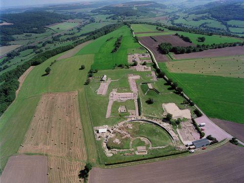 Aerial view of the site of Alesia (© D. Fouilloux - MRW Zeppeline Burgundy)